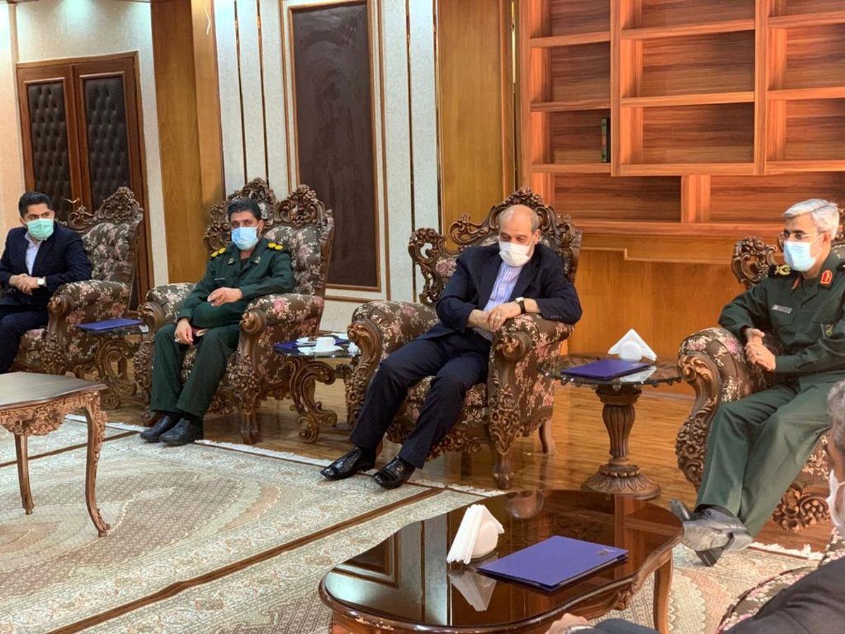سپاه استان هرمزگان و دبیرخانه شورایعالی مناطق آزاد در حوزه فرهنگی همکاری میکنند