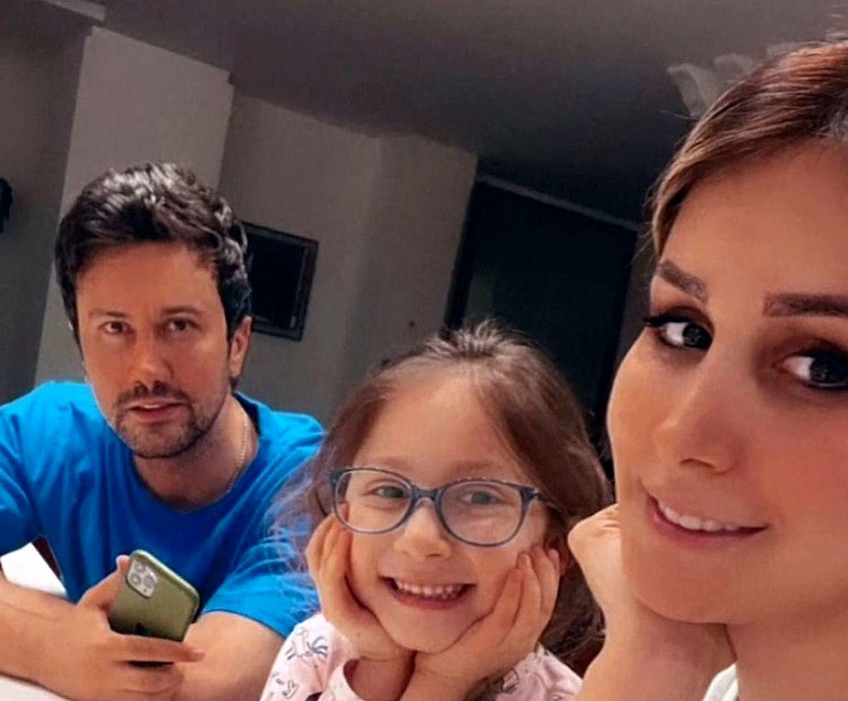 تفریح شاهرخ استخری و خانواده اش در بلژیک / فیلم